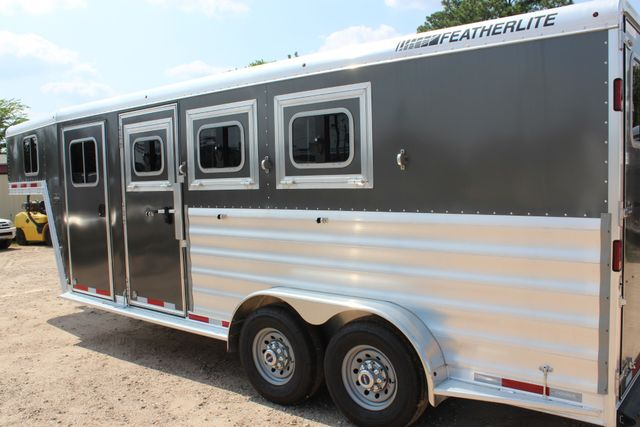 2018 Featherlite 8542 - 3H 3 HORSE GN LEGEND PACKAGE - DROP DOORS ON HIP CONROE, TX 9