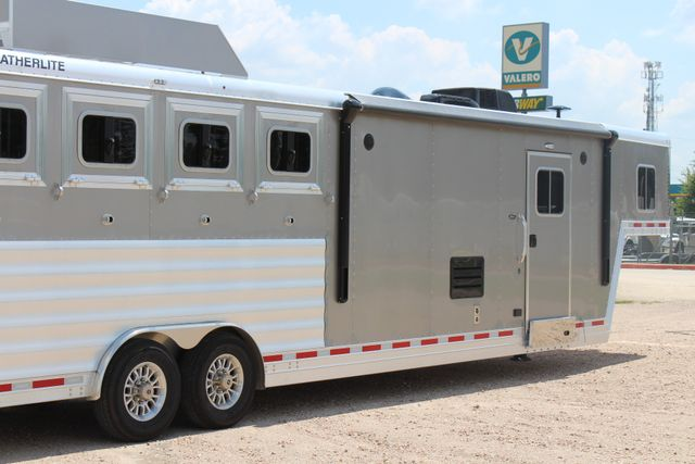 2018 Featherlite 9821 Liberty LQ 4 Horse Legend Package CONROE, TX 15