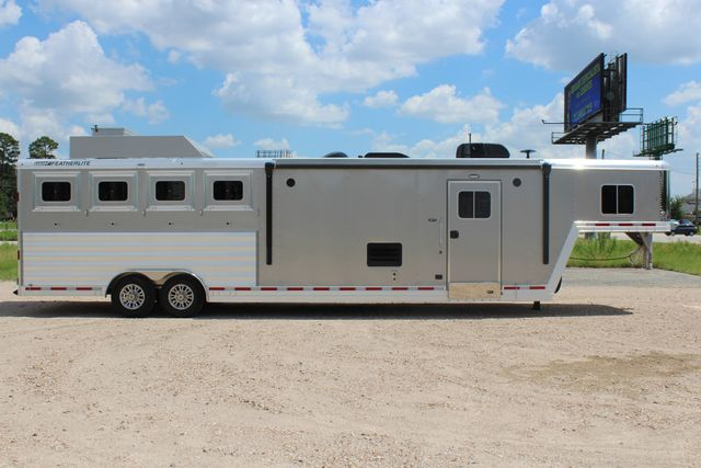 2018 Featherlite 9821 Liberty LQ 4 Horse Legend Package CONROE, TX 20