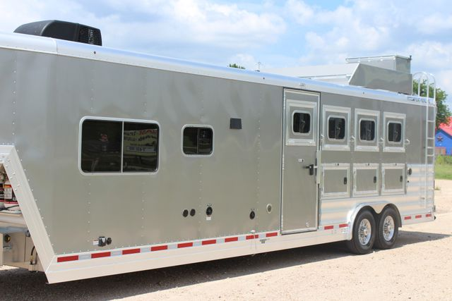 2018 Featherlite 9821 Liberty LQ 4 Horse Legend Package CONROE, TX 4