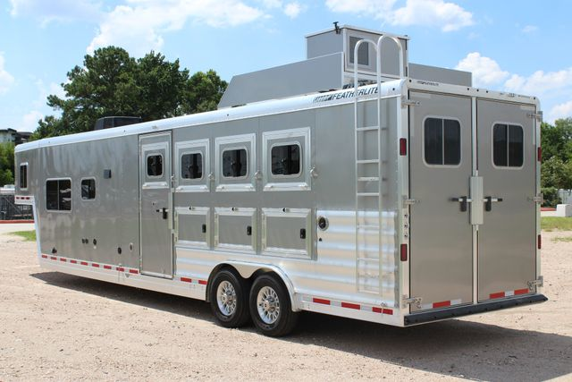 2018 Featherlite 9821 Liberty LQ 4 Horse Legend Package CONROE, TX 9