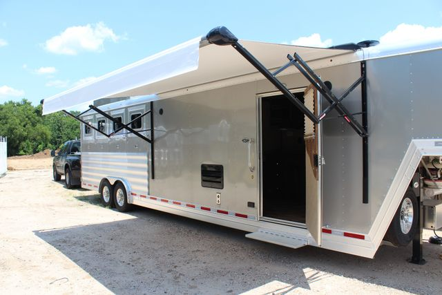 2018 Featherlite 9821 Liberty LQ 4 Horse Legend Package CONROE, TX 30