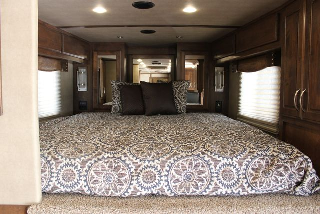2018 Featherlite 9821 Liberty LQ 4 Horse Legend Package CONROE, TX 38