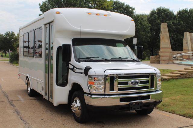 2018 Ford E350 15 Passenger Starcraft Shuttle Bus W/ Luggage, Storage Area Irving, Texas 1