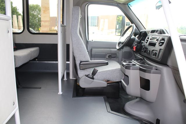 2018 Ford E350 15 Passenger Starcraft Shuttle Bus W/ Luggage, Storage Area Irving, Texas 16