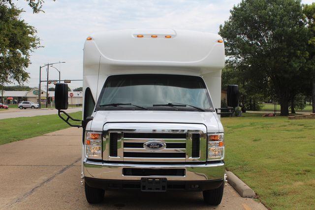 2018 Ford E350 15 Passenger Starcraft Shuttle Bus W/ Luggage, Storage Area Irving, Texas 2