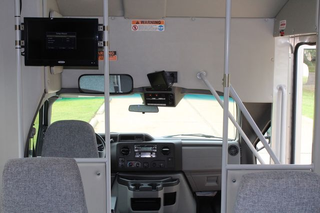 2018 Ford E350 15 Passenger Starcraft Shuttle Bus W/ Luggage, Storage Area Irving, Texas 31