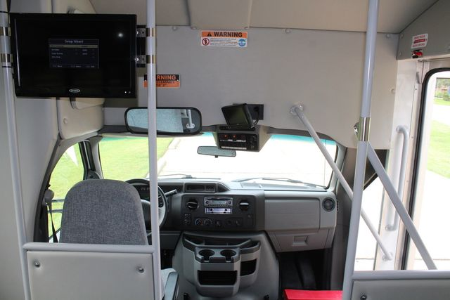 2018 Ford E350 15 Passenger Starcraft Shuttle Bus W/ Luggage, Storage Area Irving, Texas 32