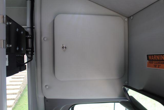 2018 Ford E350 15 Passenger Starcraft Shuttle Bus W/ Luggage, Storage Area Irving, Texas 37