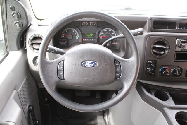 2018 Ford E350 15 Passenger Starcraft Shuttle Bus W/ Luggage, Storage Area Irving, Texas 46