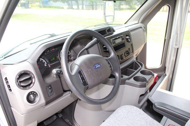2018 Ford E350 15 Passenger Starcraft Shuttle Bus W/ Luggage, Storage Area Irving, Texas 68