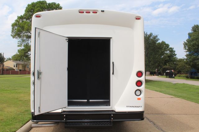 2018 Ford E350 15 Passenger Starcraft Shuttle Bus W/ Luggage, Storage Area Irving, Texas 70