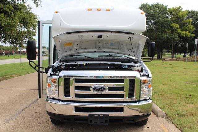 2018 Ford E350 15 Passenger Starcraft Shuttle Bus W/ Luggage, Storage Area Irving, Texas 86