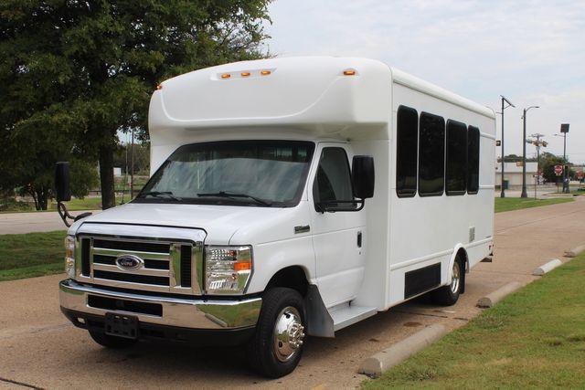 2018 Ford E350 15 Passenger Starcraft Shuttle Bus W/ Luggage, Storage Area Irving, Texas 95