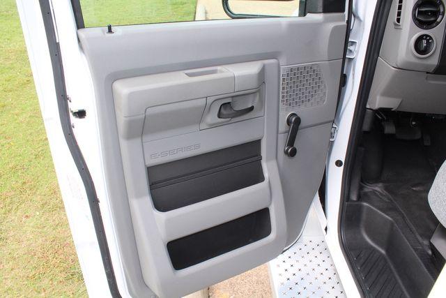 2018 Ford E350 15 Passenger Starcraft Shuttle Bus W/ Luggage, Storage Area Irving, Texas 61