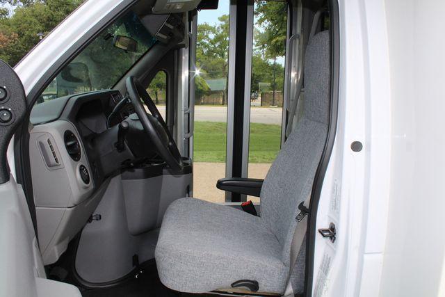 2018 Ford E350 15 Passenger Starcraft Shuttle Bus W/ Luggage, Storage Area Irving, Texas 66
