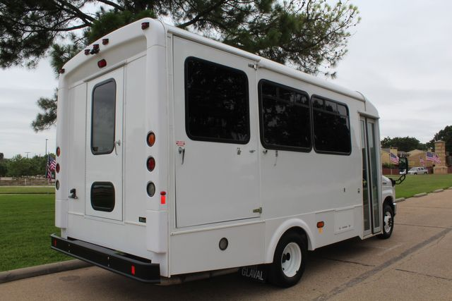 2018 Ford E450 13 Passenger Glaval Shuttle Bus W/ Lift and 6 Wheelchair Spaces in Irving, Texas 75060