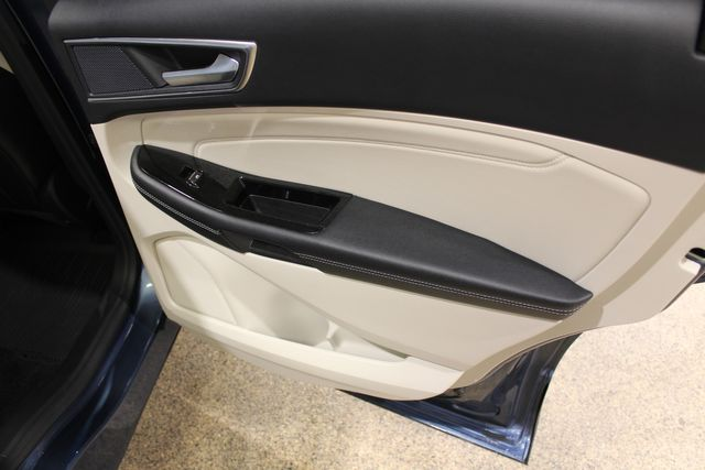 2018 Ford Edge awd Titanium in Roscoe, IL 61073