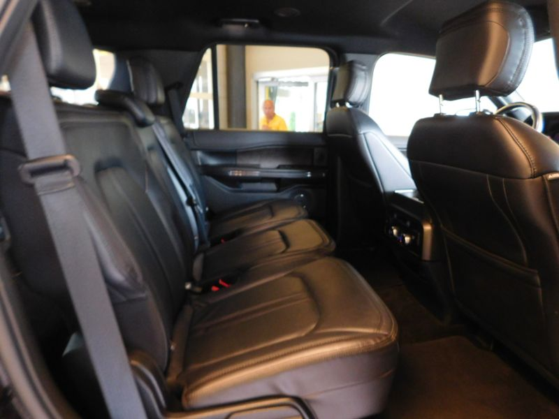 2018 Ford Expedition Limited  city TN  Doug Justus Auto Center Inc  in Airport Motor Mile ( Metro Knoxville ), TN