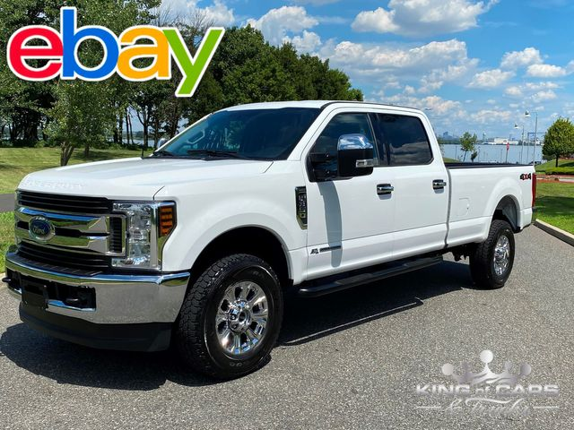 2018 Ford F350 Crew Xlt 8' BED 4X4 6.7L DIESEL ONLY 32K MILES MINT