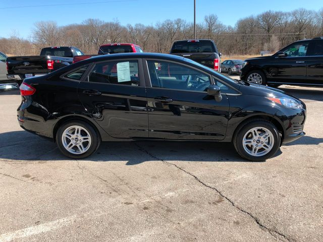 2018 Ford Fiesta SE Sedan in Gower Missouri, 64454