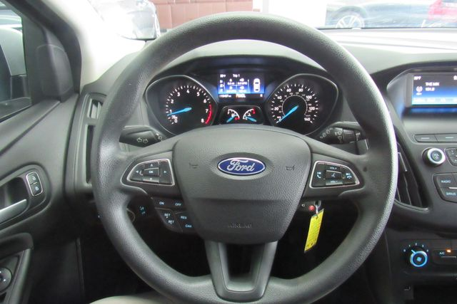 2018 Ford Focus SE W/ BACK UP CAM Chicago, Illinois 16