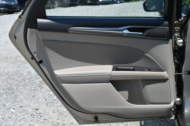 2018 Ford Fusion Hybrid SE Naugatuck, Connecticut 12