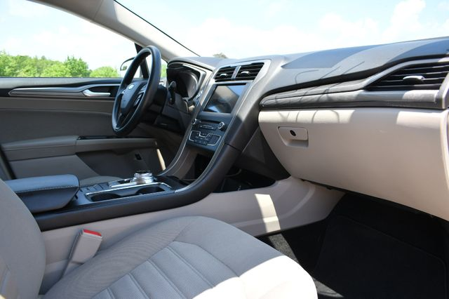 2018 Ford Fusion Hybrid SE Naugatuck, Connecticut 8