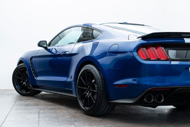 2018 Ford Mustang Shelby GT350 only 981 Miles in Addison, TX 75001