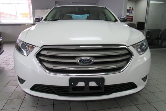 2018 Ford Taurus Limited W/ NAVIGATION SYSTEM/ BACK UP CAM Chicago, Illinois 1