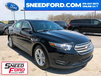 2018 Ford Taurus SEL in Gower Missouri, 64454