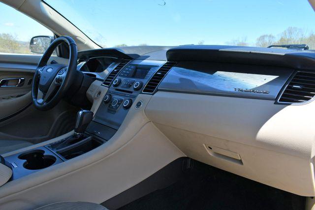 2018 Ford Taurus SEL AWD Naugatuck, Connecticut 11