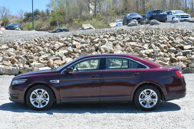 2018 Ford Taurus SEL AWD Naugatuck, Connecticut 3