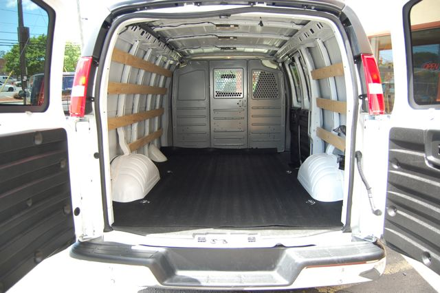 2018 GMC G2500 Cargo Van Charlotte, North Carolina 13