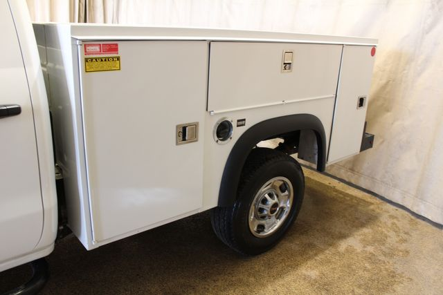 2018 GMC Sierra 2500HD utility 4x4 in Roscoe, IL 61073