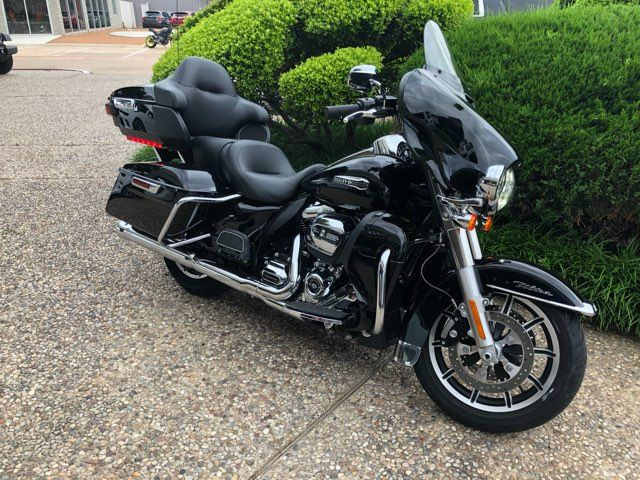 2018 Harley-Davidson Ultra Classic ** Only 551 Miles in McKinney, TX 75070