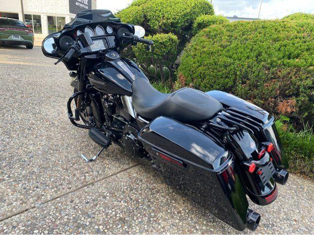 2018 Harley-Davidson FLHXS Street Glide Special in McKinney, TX 75070