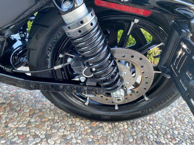 2018 Harley-Davidson Iron 883 XL883N in McKinney, TX 75070