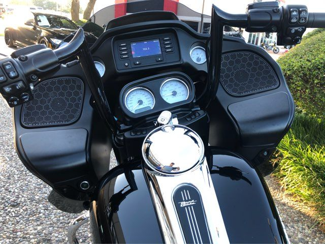 2018 Harley-Davidson Road Glide in McKinney, TX 75070