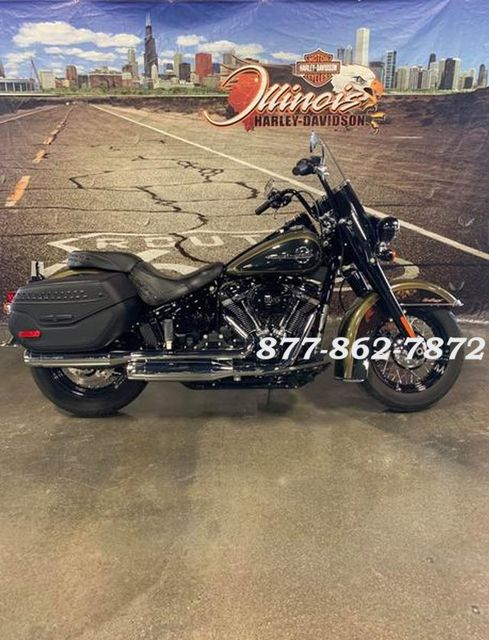 2018 Harley-Davidson SOFTAIL HERITAGE CLASSIC FLHCS HERITAGE CLASSIC 114 in Chicago, Illinois 60555