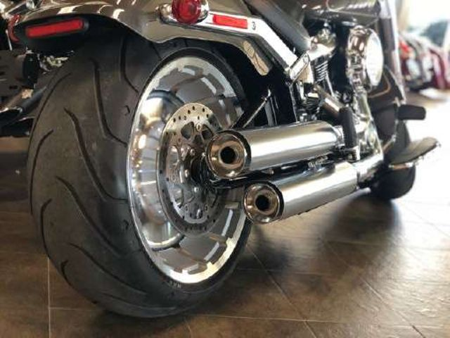 2018 Harley-Davidson Softail® Fat Boy LO *** ONLY 383 MILES *** in McKinney, TX 75070