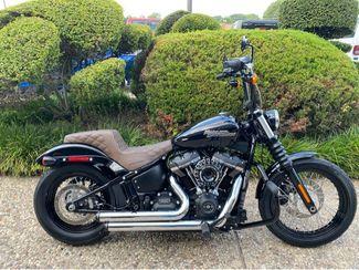 2018 Harley-Davidson Street Bob in McKinney, TX 75070