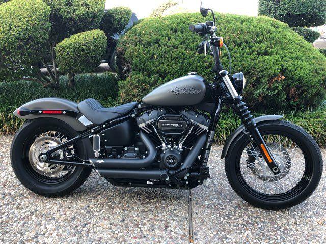 2018 Harley-Davidson Street Bob *** ONLY 331 MILES ***