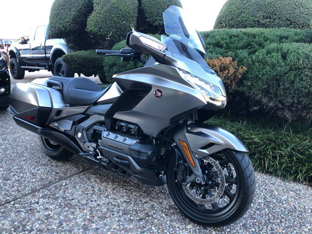 2018 Honda GL1800B Goldwing (Silver) in McKinney, TX 75070