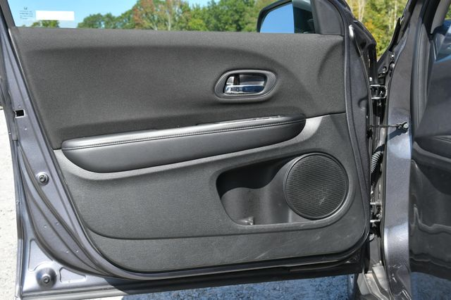 2018 Honda HR-V LX Naugatuck, Connecticut 11