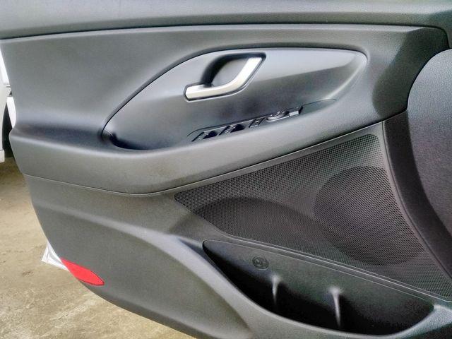 2018 Hyundai Elantra GT Houston, Mississippi 16