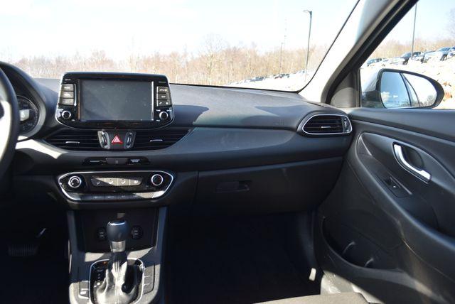 2018 Hyundai Elantra GT Naugatuck, Connecticut 17