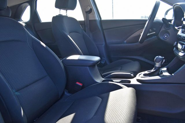 2018 Hyundai Elantra GT Naugatuck, Connecticut 8