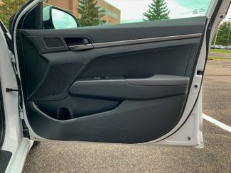 2018 Hyundai Elantra SE Maple Grove, Minnesota 13