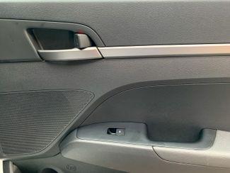 2018 Hyundai Elantra SE Maple Grove, Minnesota 25